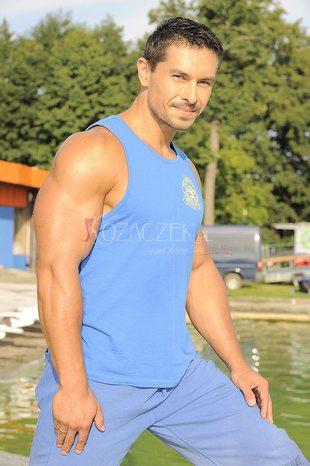 Marcin Łopucki pręży swe muskuły (FOTO)