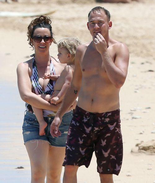 Alanis Morissette i jej wodne igraszki z mężem (FOTO)
