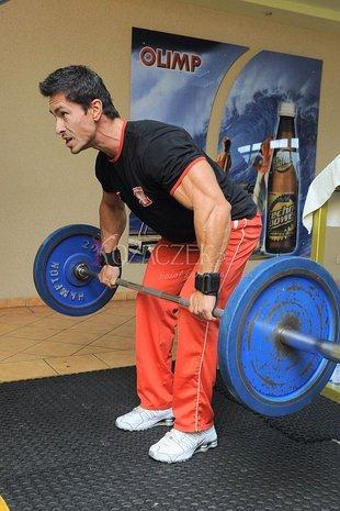 Marcin Łopucki znów pokazuje mięśnie (FOTO)