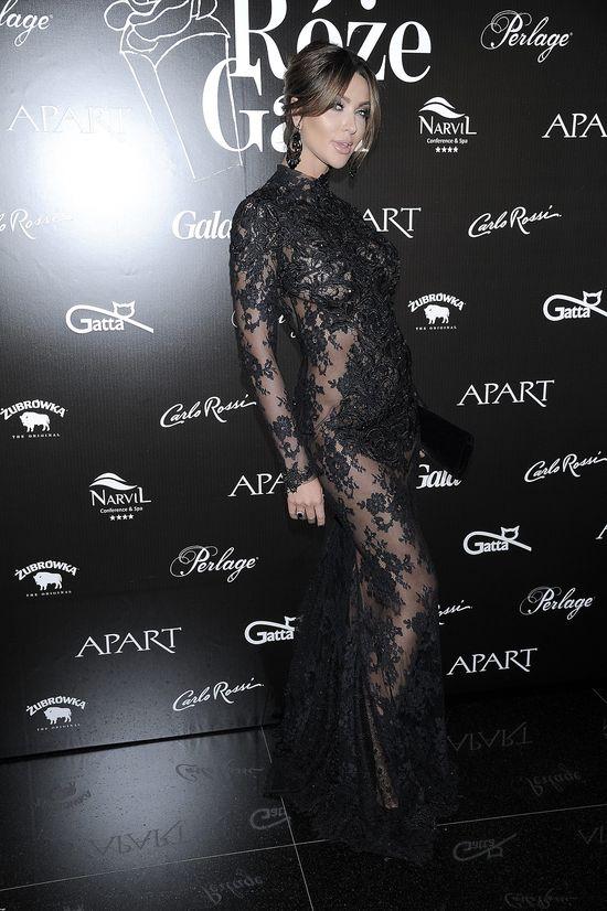 Monika Pietrasińska w czarnej, koronkowej sukni