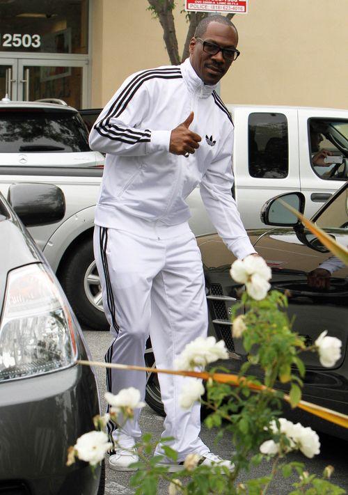 Eddie Murphy na randki chodzi w białym... dresie (FOTO)