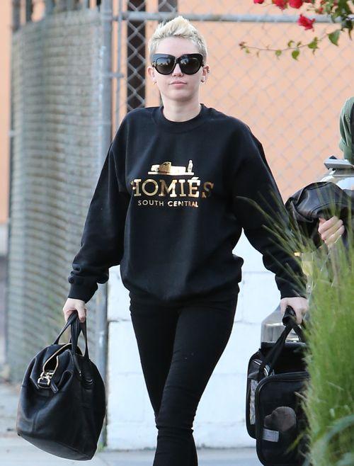 Miley Cyrus zabrała Bean'a do studia nagraniowego (FOTO)