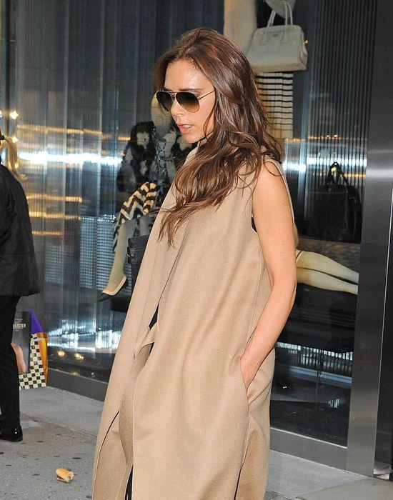 Victoria Beckham przed salonem Prady w Nowym Jorku