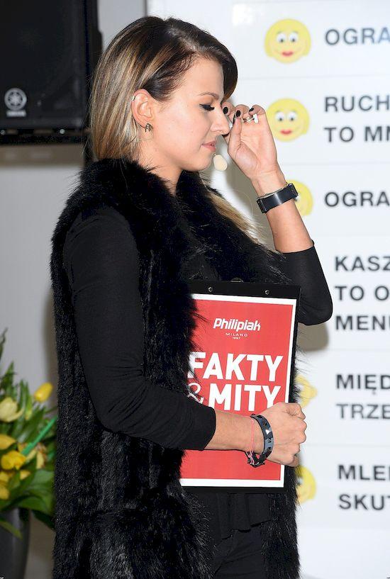 Anna Lewandowska BEZ MAKIJAŻU, cała rozczochrana! (FOTO)