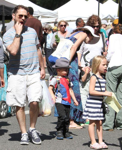 Jason Priestley z dziećmi na zakupach (FOTO)