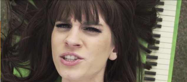 Mamy klip Sylwii Grzeszczak do piosenki Pożyczony (VIDEO)