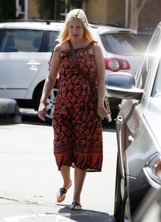 Tori Spelling bez makijażu w ciąży
