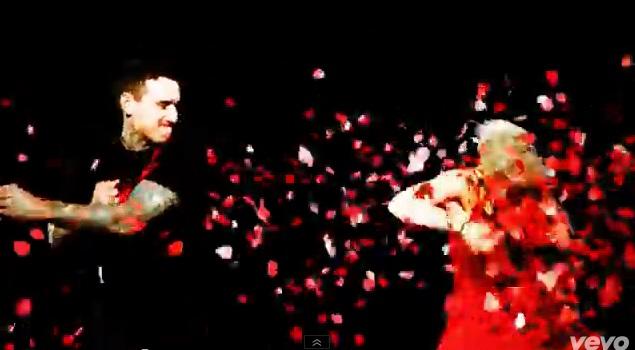 Pink w teledysku z córką i mężem - True Love (VIDEO)