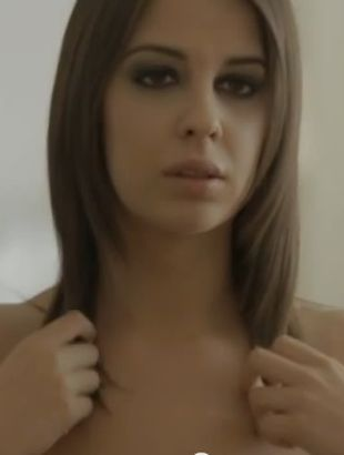 Patrycja Wojnarowska wystąpiła NAGO w teledysku (VIDEO)