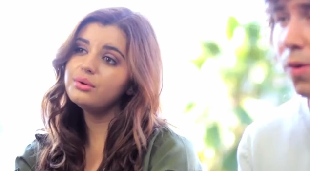 Rebecca Black śpiewa piosenkę Cyrus - We can't stop (VIDEO)