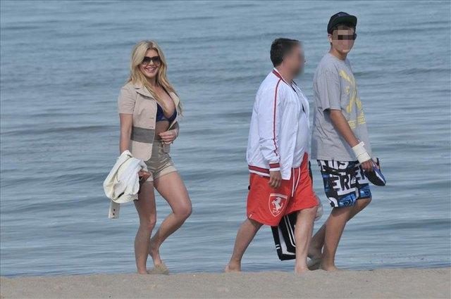 Iwona Węgrowska na plaży