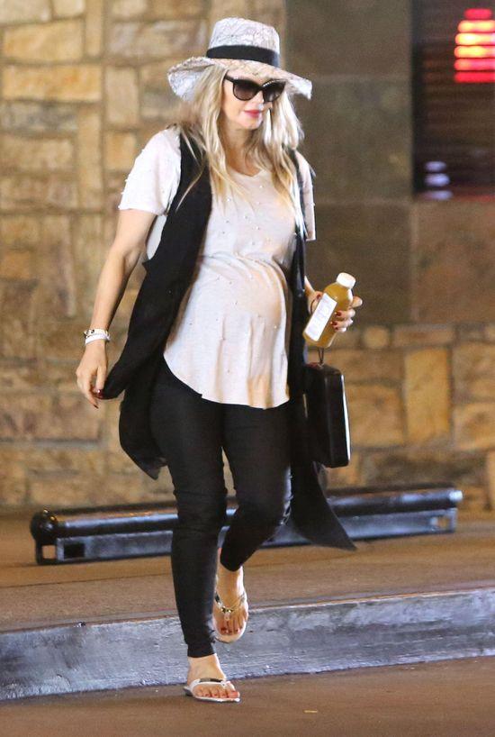 Fargie lada dzień zostanie mamą (FOTO)