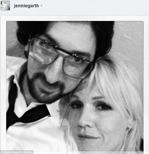 Jennie Garth znowu zakochana (FOTO)