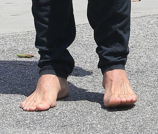 Dla niego buty mogłyby nie istnieć (FOTO)