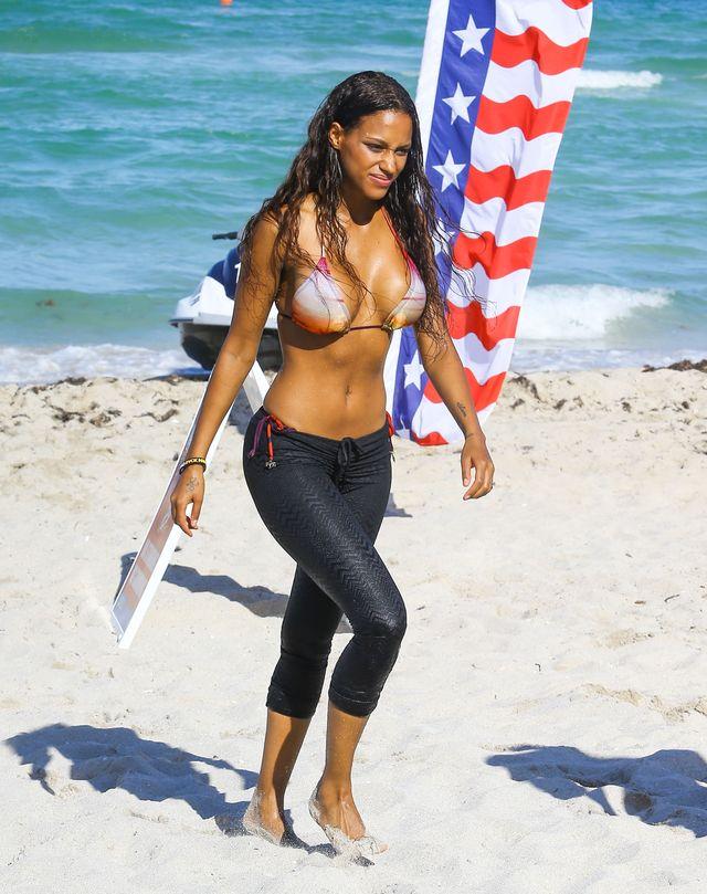 Fanny Neguesha w bikini