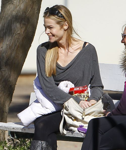 Córeczki Denise Richards popisują się na koniach (FOTO)