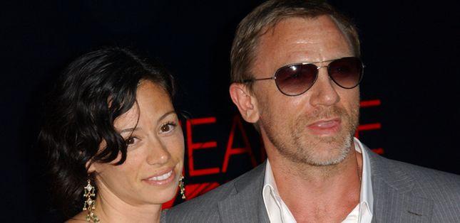 Daniel Craig z ukochaną na plaży