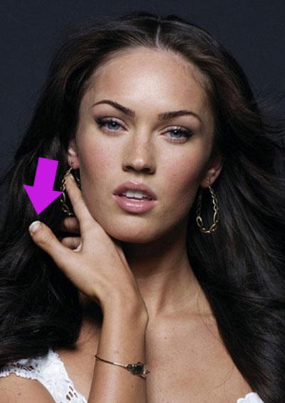 Megan Fox ma zniekształcone kciuki