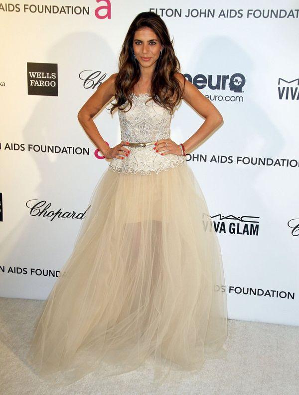 Weronika Rosati w d�ugiej suknie ecru