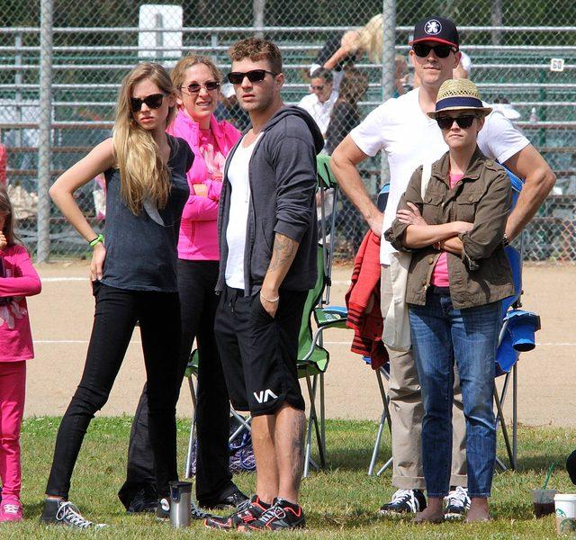 Ryan Phillipe z narzeczoną Pauliną Slagter i byłą żoną Reese Witherspoon.