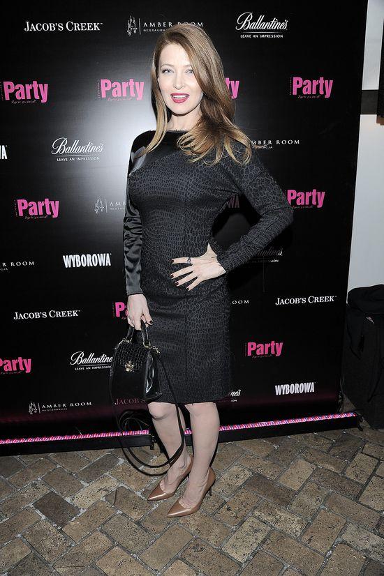 Ada Fijał w czarnej koronkowej sukience na urodzinach Party