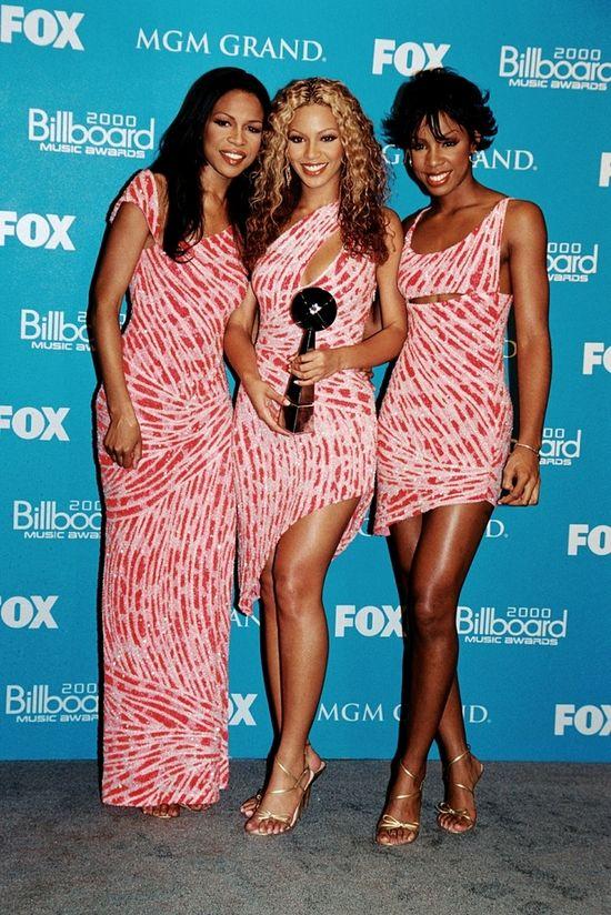 Beyonce w różowej sukience w 2000 rok7
