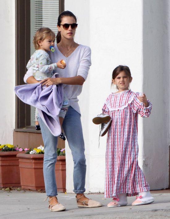 Alessandra Ambrosio z dziećmi, marzec 2015 rok
