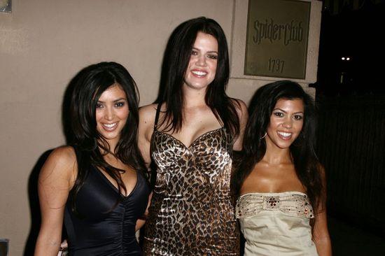 Kourtney Kardashian z siostrami w 2006 roku