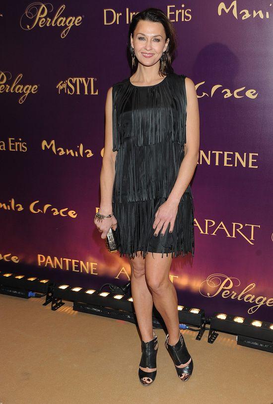 Anna Popek w czarnej sukience z frędzlami