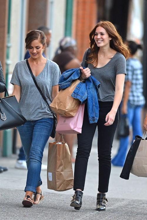 Mandy Moore i Minka Kelly na zakupach