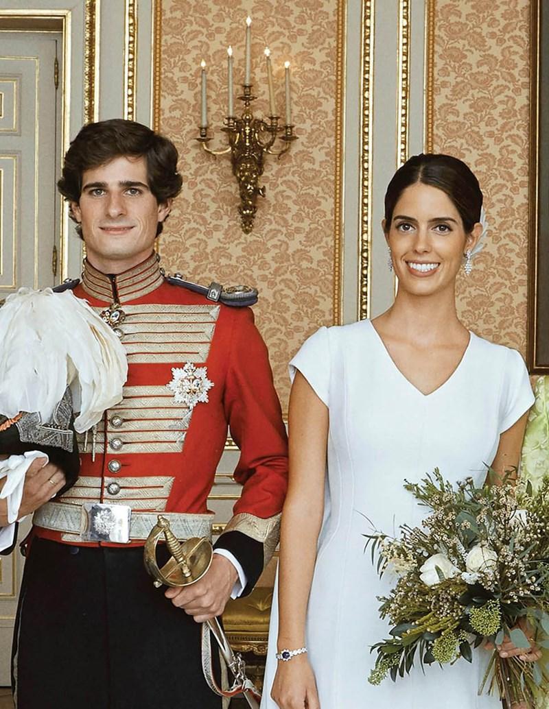 Przepiękny ślub księcia Hiszpanii! Kreacja Sofii Palazuelo zachwyca