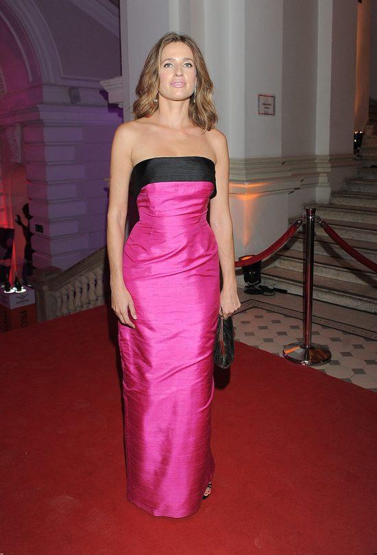 Katarzyna Meller w długiej, różowej sukni na Balu Dziennikarza 2015