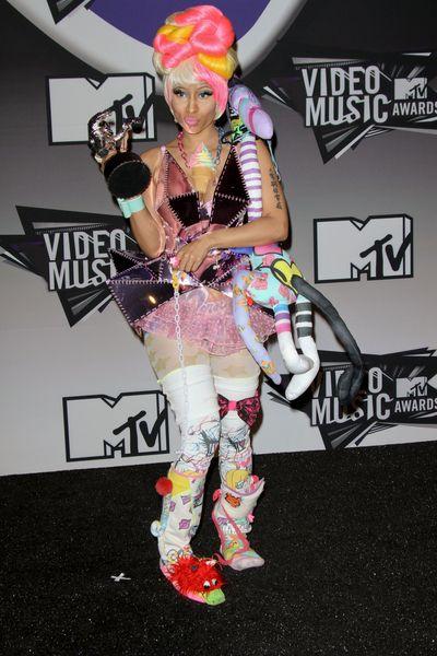 Nicki Minaj ma bzika na punkcie peruk