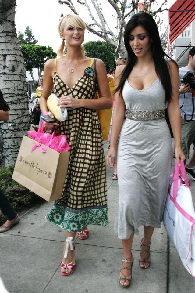 Paris Hilton i Kim Kardashian w 2006 roku na wspólnych zakupach
