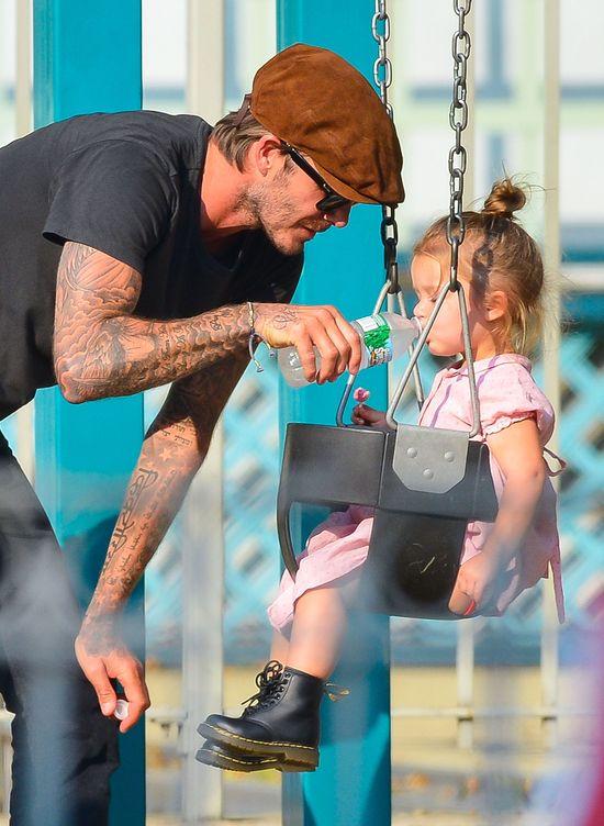 David Beckham z Harper na placu zabaw
