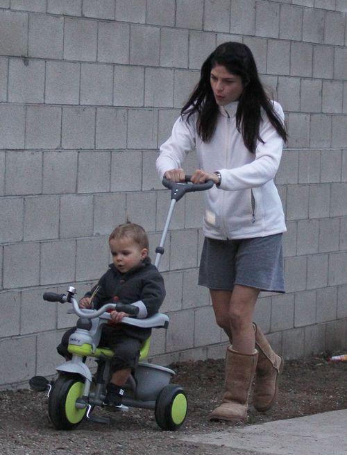 S�odkie fotki Selmy Blair i jej synka (FOTO)
