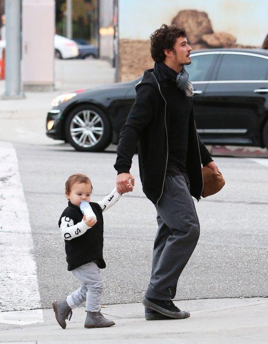Orlando Bloom opiekuje się synkiem Flynnem