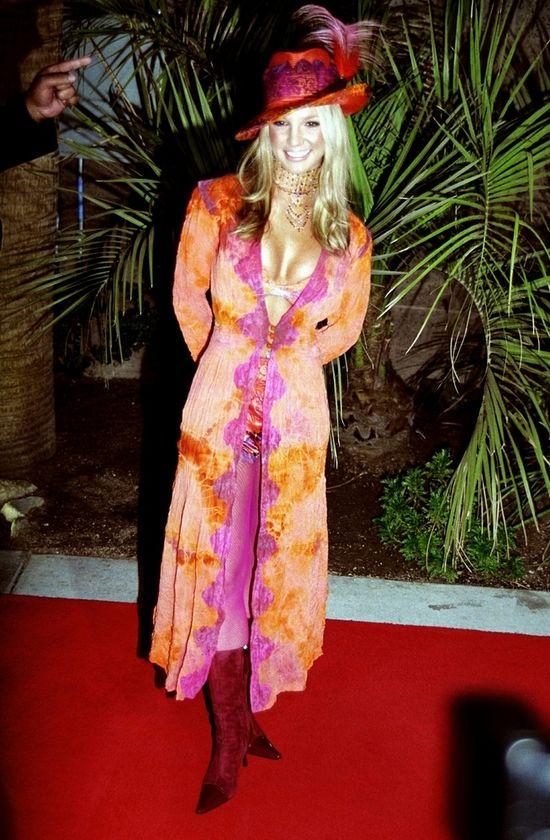 Britney Spears w kolorowym płaszczy