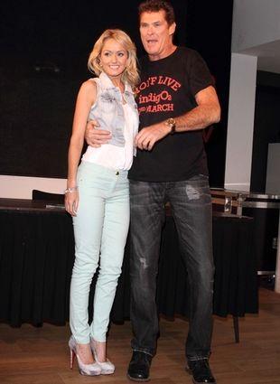 Hasselhoff promuje nową płytę i swoją ukochaną (FOTO)