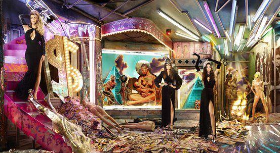 Świąteczne kartki Kardashianów