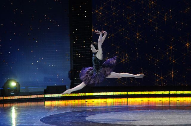 Młoda tancerka w Got to dance. Tylko taniec