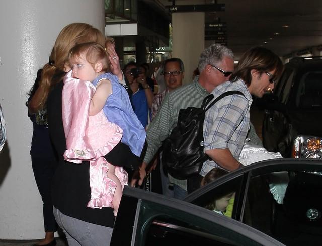 Nicole Kidman z mężem i córkami