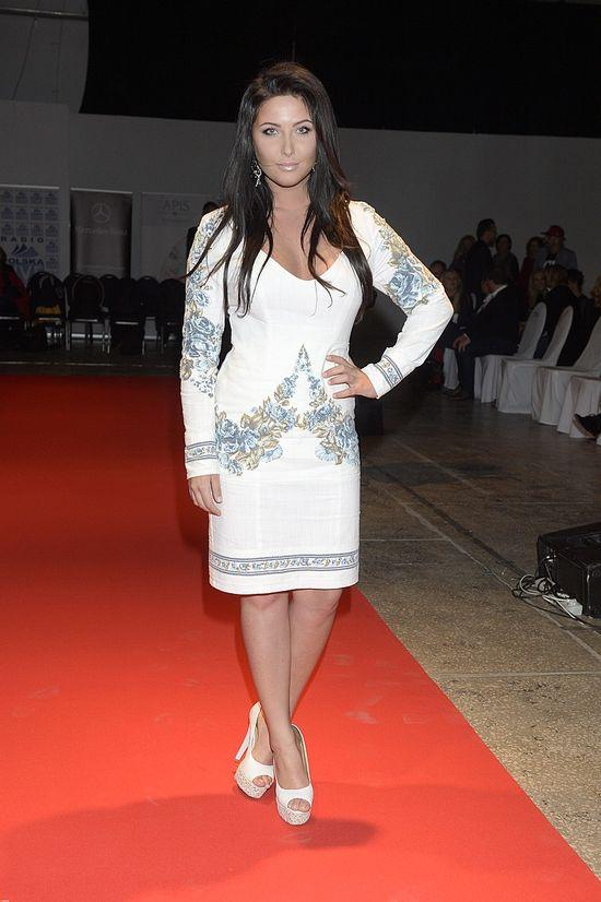 Patrycja Paj�k w sukience z obrusa