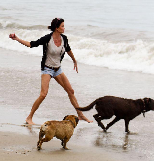 Janice Dickinson na plaży