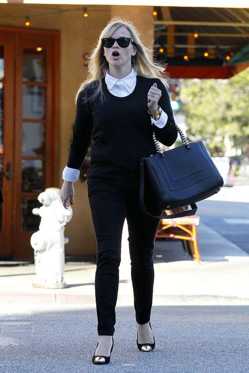 Reese Witherspoon kupuje bieliznę (FOTO)