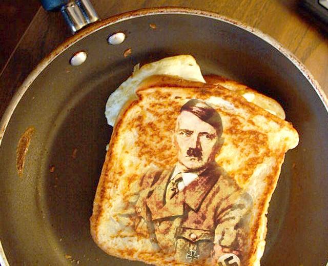 """Przywódcy, zbrodniarze, a czy smakosze? Czasem. Jeśli powiedzenie """"jesteś tym, co jesz"""" jest prawdziwe, to Adolf Hitler był... ziemniakiem."""