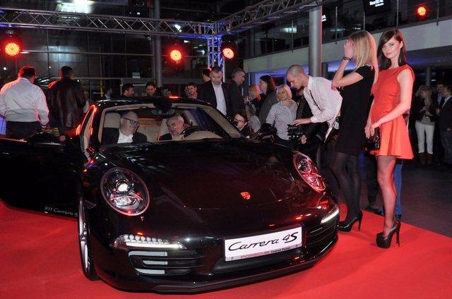 Ania Piszczałka i Gabriela Pacholarz z Top Model na premierze Porsche 911 Carrera 4S