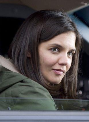 Katie Holmes ma zakaz wychodzenia z domu bez makijażu