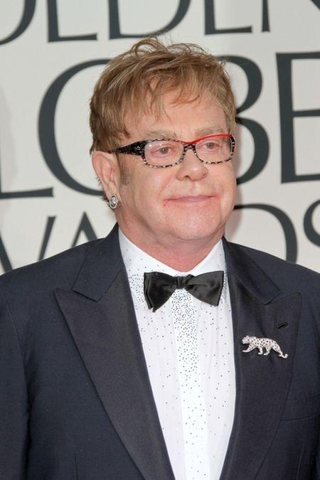 Elton John trafi� do szpitala
