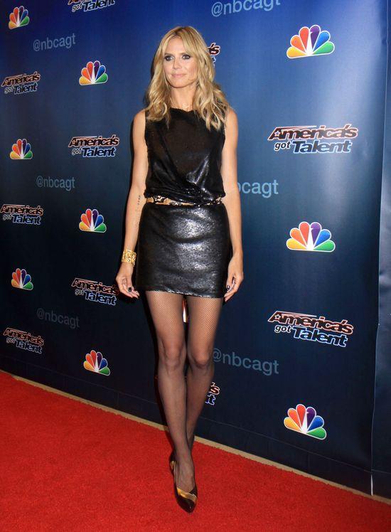 Heidi Klum ma 40 lat i piękne nogi